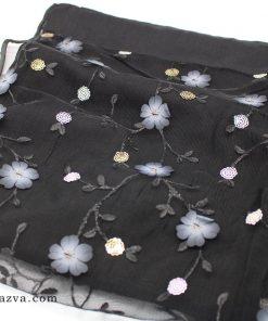 Écharpe en dentelle noir femme musulmane avec des fleurs